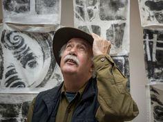 """Até o dia 23 de agosto, o Instituto Ling apresenta a exposição """"Sudários"""" de Carlos Vergara, um dos mais inovadores artistas contemporâneos do Brasil."""