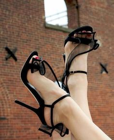 black heels,black high heels,black shoes,black pumps, fashion, heels, high heels, image, moda, photo, pic, pumps, shoes, stiletto, style, women shoes (16) http://imgsnpics.com/black-heels-image-36/