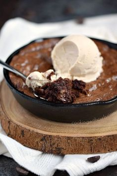 Grab two spoons and dive into this chewy and delicious Skillet Brownies for Two topped with a scoop of vanilla ice cream for the perfect ending to a perfect meal! # Desserts for two Skillet Brownies for Two Small Desserts, Köstliche Desserts, Delicious Desserts, Dessert Recipes, Health Desserts, Dinner Recipes, Mug Recipes, Brownie Recipes, Cooking Recipes