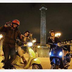 Have a good night! #✌️#👊✊️ #paris #parisjetaime #parismonamour #iloveparis #travel #travelblogger #vespa #vespagram #vespaclubparis #vespamania #vespalovers #piaggio #ridensmileparis #modernvespa #doyouvespa #parisbynight #gts #sprint #travelblog #traveltheworld #globetrotter #vespaworld