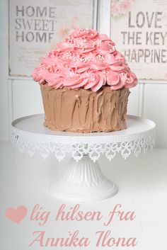 Annikabaker20 Vanilla Cake, Sweet, Desserts, Food, Candy, Tailgate Desserts, Deserts, Meals, Dessert