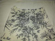 so penso em costura: Costura comigo-Calções Unisexo de criança Fashion Sewing, Hobbies And Crafts, Patterned Shorts, Jean Shorts, Easy Diy, Sewing Patterns, Seville, 1, Clothes