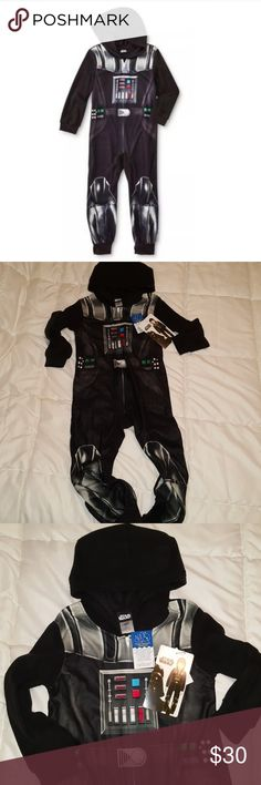 NWT boys vader star wars hooded sleeper pajamas NWT boys Darth Vader hooded sleeper size 6 Star Wars Pajamas