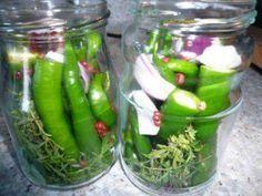 Das perfekte Chilifan`s eingelegte Peperoni-Rezept mit einfacher Schritt-für-Schritt-Anleitung: Stängel von den Grünen Liebchen abschneiden incl…