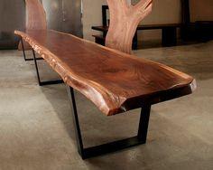 Table bois design, €3250.00