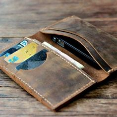 Distressed Leather iPhone 5 Wallet | Some Of The Best leather Goods Gadgets