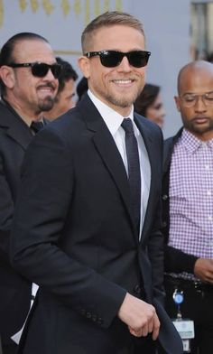 Beautiful Men, Beautiful People, Charlie Hunnam Soa, Famous Men, Gentleman Style, Good Looking Men, Haircuts For Men, Perfect Man, Bearded Men