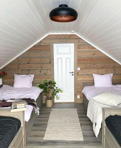yttelivet💛 Vi håper å kunne fylle opp gjesterommene og sengene på hytta i løpet av sommeren. I mellomtiden er det ganske godt å nyte late Outdoor Furniture, Outdoor Decor, Patio, Instagram, Home Decor, Summer, Decoration Home, Room Decor, Home Interior Design