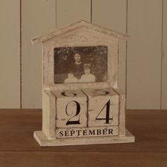 Shabby chic wooden block calender. Changeable dates, reuse year after year and  only £24.95 #shabbychic #calender #weddinggift #home