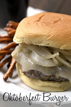 Oktoberfest Burger - an easy burger recipe with pork (or chicken), beer, mustard, pretzels, and onions. Crazy Burger, My Burger, Good Burger, Beer Burger, Burgers, Pork Recipes, Gourmet Recipes, Cooking Recipes, Healthy Recipes