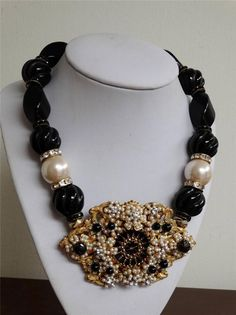 Amazing Unsigned DEMARIO Carved Onyx & Pearl Seed Bead Pendant Necklace