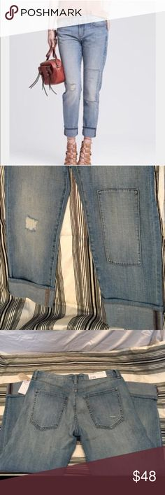 ✨👖Banana Republic Boyfriend Crop Jeans Size 28💋 Bought these Brand New with tags absolutely love them but they're just a little too big for me. I would say they're more like a 29 depending on how you want your boyfriend jean look. They've been worn once but are in great condition😍 They look amazing with a cute top and heels💃🏼 Banana Republic Jeans Boyfriend