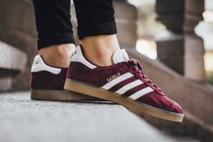 """The adidas Gazelle Receives a Fall-Ready """"Maroon"""" Treatment: Burgundy suede, doe. Adidas Gazelle Women Outfit, Adidas Outfit, Adidas Sneakers, Adidas Slides, What To Wear Today, Adidas Neo, Capsule Outfits, Slip On Shoes, Tennis"""