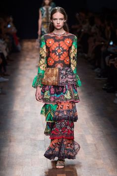 Pin for Later: Pretty in Prints: The Most Wow-Worthy Patterns to Hit the Runway Valentino Spring 2015