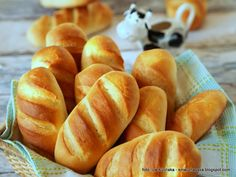 Domowe bułeczki mleczne - World Bread Day 2017 Good Healthy Recipes, Sweet Recipes, Breakfast Desayunos, Kolaci I Torte, Good Food, Yummy Food, Healthy Breakfast Smoothies, Bread And Pastries, Polish Recipes