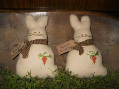 Prim and Country Easter Spring Bunnies with Cross Stitch Carrot Bowl Fillers or Ornies. Easter Hill Pilgrims via Etsy.
