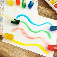 If you're looking for a fun summer activity that will cool your kids you have to try painting with ice! Make a batch of ice paints for your kids and let them get super creative while keeping cool at the same time. Painting With Ice – Make your own ice paint What you need 1 …