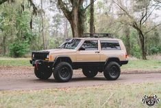 1999 JEEP CHEROKEE XJ SE Beautiful Garaged Sport Fresh Build 4x4 4WD SUV