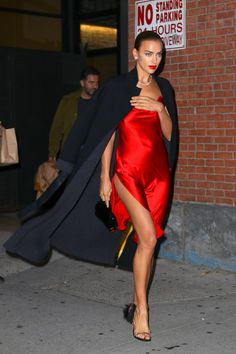Red lips 685110162051906934 - Irina Shayk Steps Out With a Bold Red Lip and Bombshell Bare Legs in New York Red Lips Outfit, Red Dress Outfit, Red Slip Dress, Silk Dress, The Dress, Dress Outfits, Dresses, Dress Long, Prom Dress