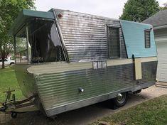 Browse to the original site around Basement Remodel Vintage Motorhome, Vintage Rv, Vintage Campers Trailers, Retro Campers, Camper Trailers, Vintage Holiday, Used Camping Trailers, Camping Trailer For Sale, Trailers For Sale