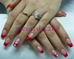 Czerwone paznokcie do ślubu? Czemu nie!