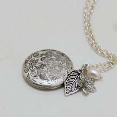Another great locket.