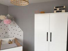 Peuterbed Bopita Roze.Babykamer Inspiratie Grijs Roze Okergeel Zwarte Stippen