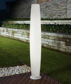 Bover White Maxi Outdoor Floor Lamp by Joana Bover Patio Images, Patio Pictures, Outdoor Table Lamps, Patio Lighting, Lighting Ideas, Outdoor Furniture, Outdoor Decor, Column Lights, Led Röhren