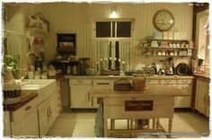 Elämää villa honkasalossa: köökki iltatunnelmissaan