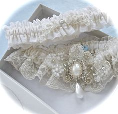 Garter Set in Ivory Regal Lace with Platinum by GarterLady on Etsy