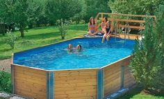 Mit einem Bausatz steht der Pool aus Holz innerhalb von zwei Tagen. Wir zeigen Ihnen, wie Sie den Swimmingpool selbst aufbauen können.