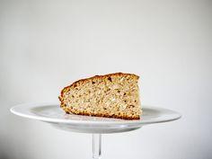 Recept: suikervrije bananencake #suikervrij #recept #cake #vegan #veganistisch Real Food Recipes, Dessert Recipes, Desserts, Sugar Free, Banana Bread, Muffins, Veggies, Favorite Recipes, Baking