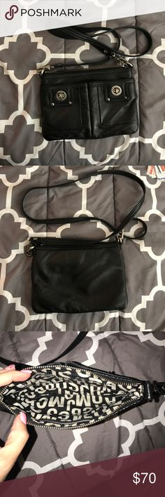 Marc Jacobs black leather cross body bag Very clean Marc Jacobs cross body bag. Marc Jacobs Bags Crossbody Bags