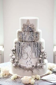 We all know Cake design is really important to design. That is why you must check our Elegant Cake design where it is really great for your start! Beautiful Wedding Cakes, Gorgeous Cakes, Pretty Cakes, Amazing Cakes, Cake Wrecks, Unique Cakes, Creative Cakes, Elegant Cakes, Crazy Cakes