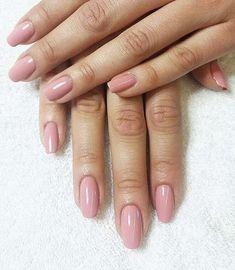 Vackra naturliga naglar med gellack