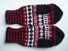 Warm Outfits, Tartan, Knit Crochet, Gloves, Textiles, Wool, Knitting, Winter, Crocheting