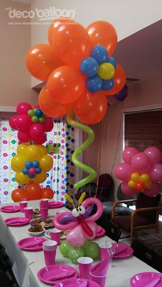 Balloon Centerpieces. @Rachael E Armstrong rylie needs this!