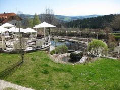 Gartenanlage - Hotelpark mit Teich