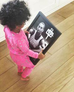Vanessa Bryant, Kobe Bryant Family, Kobe Bryant Nba, Kobe Mamba, Capri, Kobe Bryant Black Mamba, Black Celebrities, Los Angeles Lakers, Reaction Pictures
