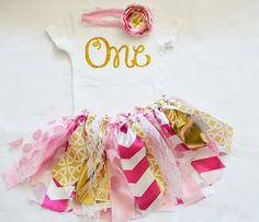 Little Girl Outfits, Little Girls, 1st Birthday Outfit Girl, Fabric Tutu, Shabby Chic Fabric, Resource Room, Gold Sparkle, Pink Girl, Pink And Gold