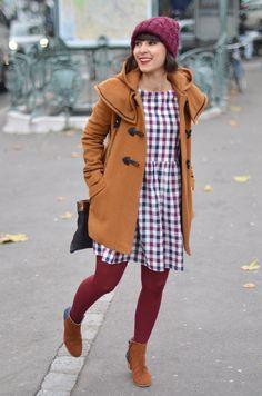streetstyle Hello it's Valentine french fashion blogger Paris autumn fall duffle coat beanie dress boots