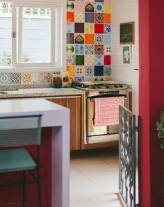 Para quem tem crianças pequenas, portão na cozinha.