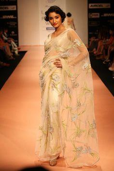 Golden Sequins-The Beauty Domain: Be Talk: Bhairavi Jaikishan Sarees at the Lakme Fashion Week 2012