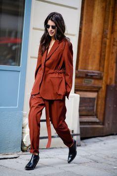 Paris Fashion Week Street Style Fall 2018 - refashion inspiration - add drawstring to oversized blazer