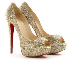 Google Image Result for http://4.bp.blogspot.com/-zaB41Y9ns7s/T2ELGKpGcQI/AAAAAAAAAEU/UBgm2PC6ysw/s1600/Glitter-platform-wedding-high-heels-shoes.jpg