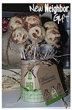 I like to give little gifts to my neighbors once in a while - and Thanksgiving is always a good time to show my appreciation. Welcome Card, Welcome Gifts, Homemade Gifts, Diy Gifts, New Neighbor Gifts, Cute Gifts, Best Gifts, New Neighbors, Food Gifts