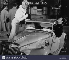 Download this stock image: Doris Day and Rock Hudson On-Set of the Film, Pillow Talk, 1959 - DG5C8P from Alamy's library of millions of high resolution stock photos, illustrations and vectors.