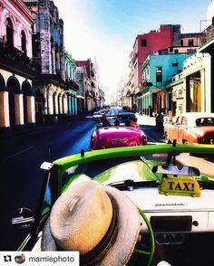"Kuba!  #reiseblogger  #reiseliv #reisetips  #reiseråd  #Repost @marniephoto with @repostapp  En viss datter er i HavanaCubaog mor er misunnelig Definitivt på min ""bucketlist""#havanna #cuba #bucketlist #wanderlust #reiseradet #beautifuldestinations #reiseliv #bdteam #explorecuba #ig_world_photo #globetrotter #bns_world #reiseliv #reisetips #ig_myshot #ig_week #pocket_world #exploringglobe #fotocathers"