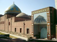 """The """"Blue Mosque"""", also known as the """"Gyok Jami"""" (Masjed-i Kabud), is a mosque in Yerevan, Armenia."""
