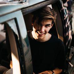Álvaro Mel (@meeeeeeeel_) • Instagram photos and videos